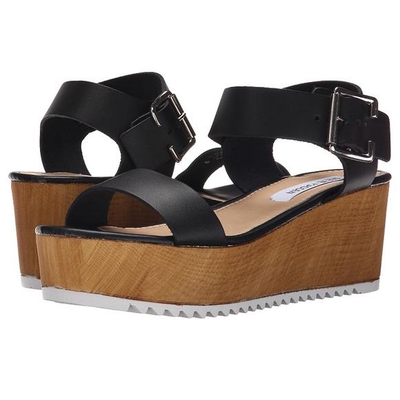 fea6405be15 Steve Madden Nylee Platform Sandal. M 5a663baf331627f3e1bda141